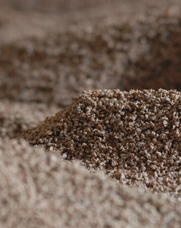 Iseckani ostaci pšenice spremni sa paljenje